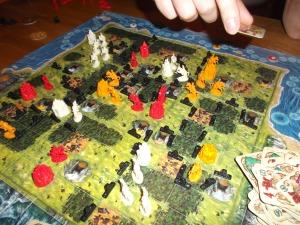 Sveinmains hvite hær er stoppet av fredelige naboer.