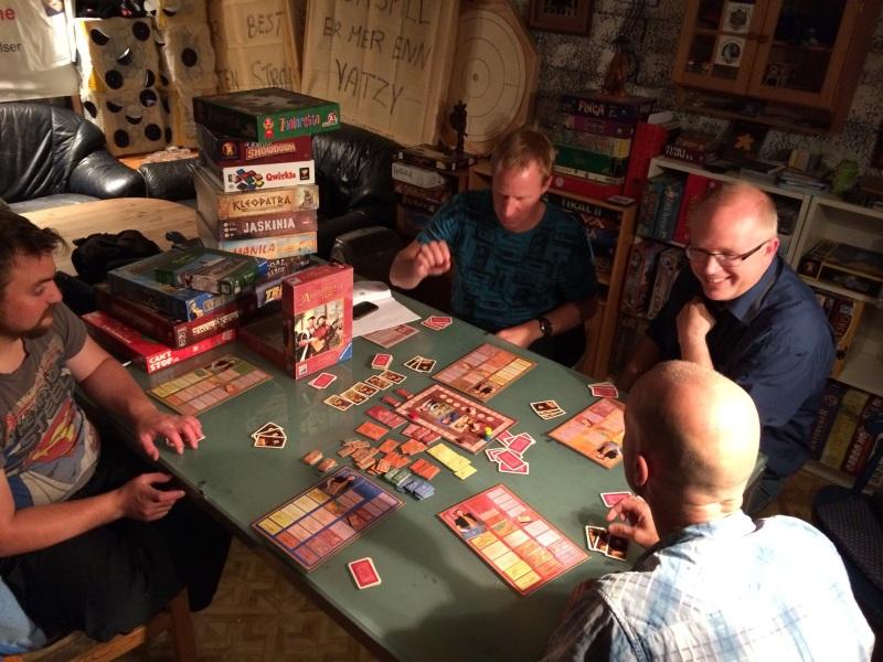 Augsburg var tilbake i Grotten. Ved siden av kirkebygging i spillet var det mye engasjement om å få flere PG-ere inn i religiøse grupper. Det var synd at Myrmes-byassene ikke var der!