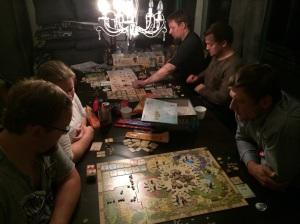 Langbord med Tzolkin og Caverna!