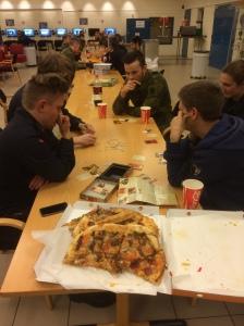 Hvem bryr seg om pizza?