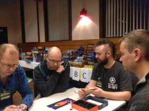 Jarle forklarer kaosspillet over alle kaosspill -Spacetime