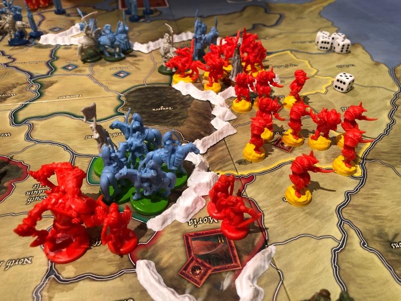 Armeen til Saruman beveger seg mot Moria.